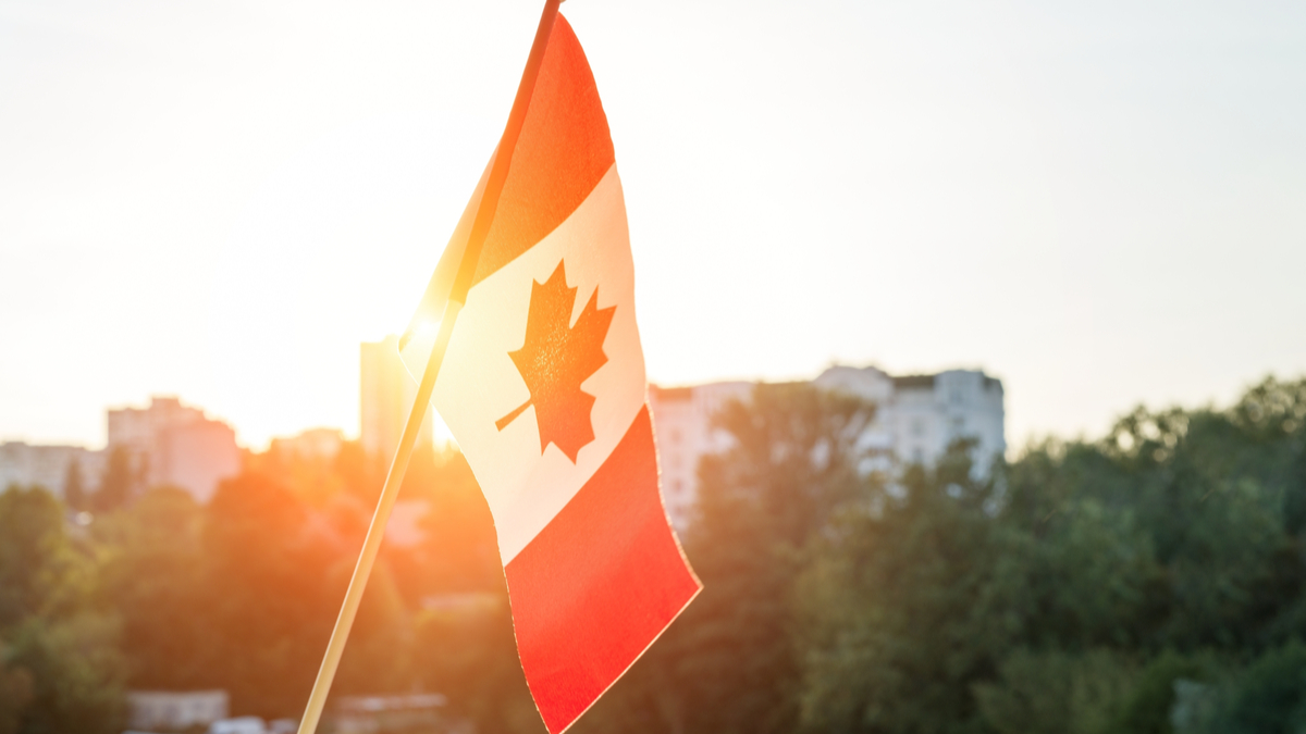 canadian-flag-the-benefits-of-moving-to-canadas-rural-provinces